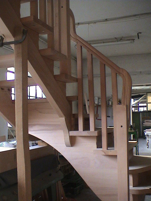 Ferrari scale falegnameria verona scale per interni for Disegnare piani di costruzione in scala